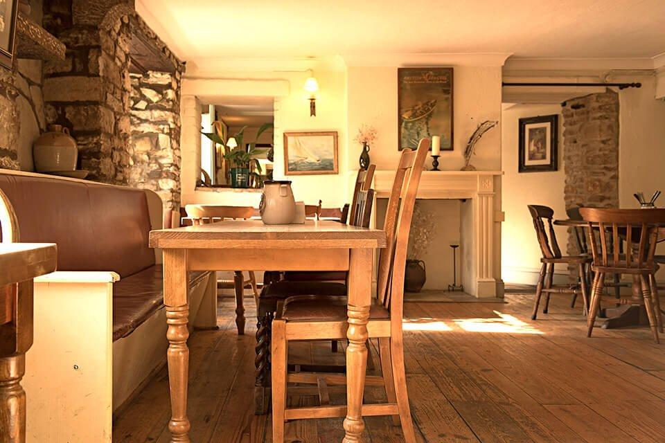 Scott Arms dining area