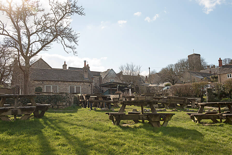 Scott Arms pub garden